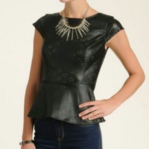 Willow & Clay Faux Leather Peplum Top sz L ✨